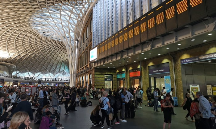 Photograph of the distruption in King's Cross station